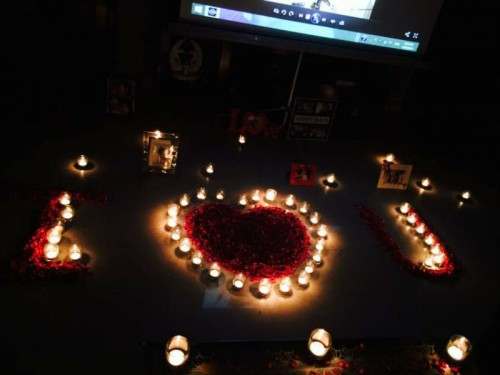 Decorations with Candles & Flower Petals