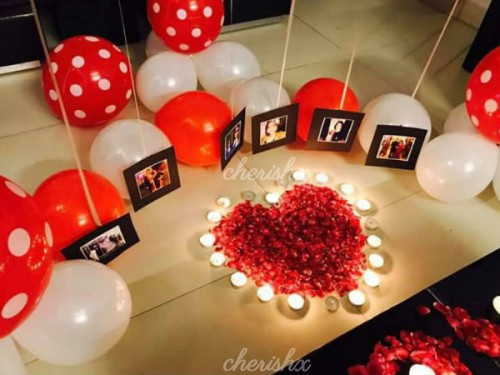 Printed Photos under the Helium Balloons to surprise your Wife or Husband.