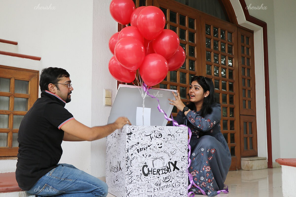 Helium Balloon Box Delivery in Delhi