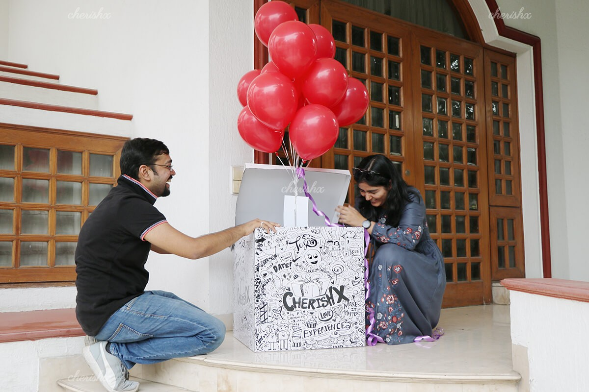 10 Helium Balloons in a Big Box for Surprising Someone