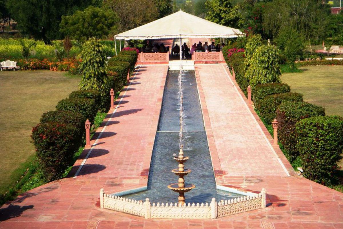 Upgrade to Baradari Fountain Dinner