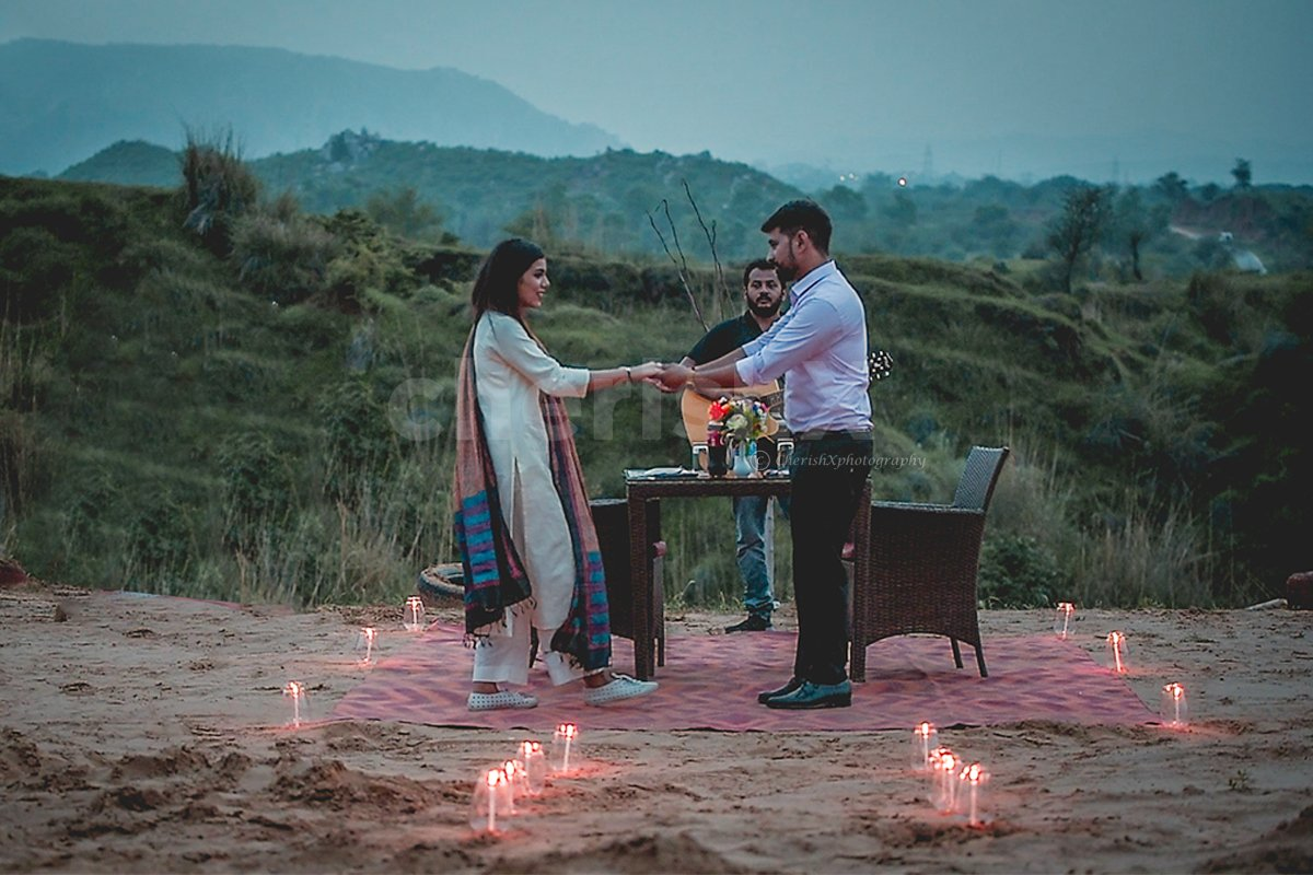 Dinner on the Dunes Romantic Dining Experience in Jaipur