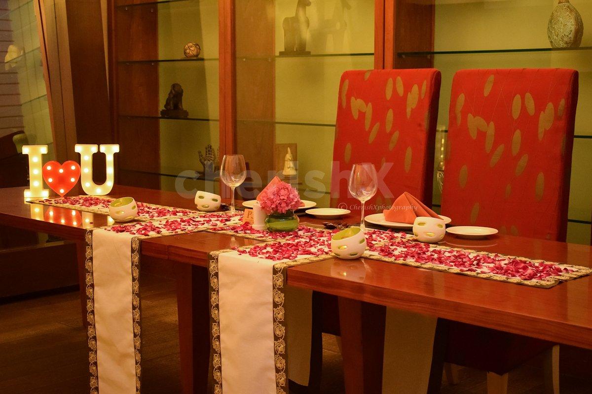 Private Candle Light Dinner at Taj Vivanta, Dwarka, Delhi