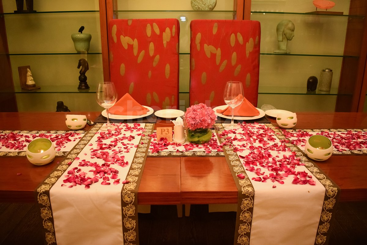 4 course Meal and Private Room with Decorations