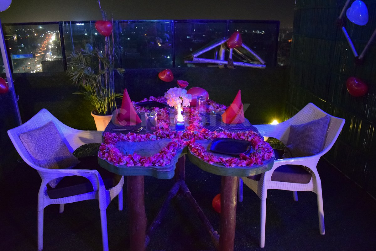 3 Course Meal with Decorated Table