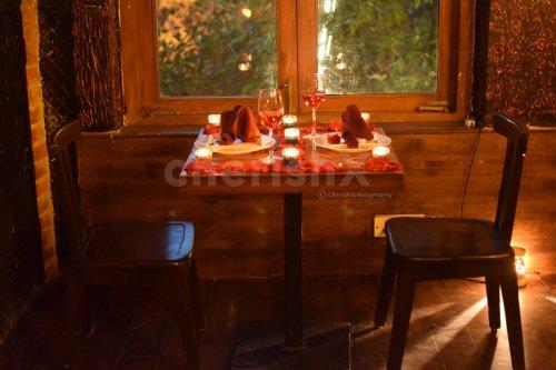 Indoor Romantic Date