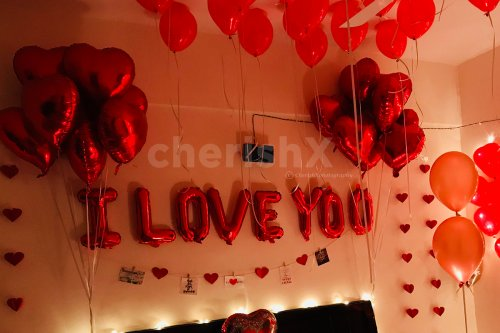 I LOVE YOU letter foil balloons also included