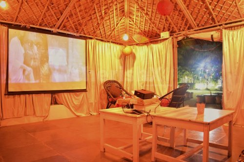 Private Movie in a hut of Love