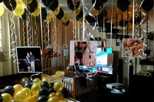 CherishX's Balloon Surprise Decor with hanging photos to surprise your close ones.