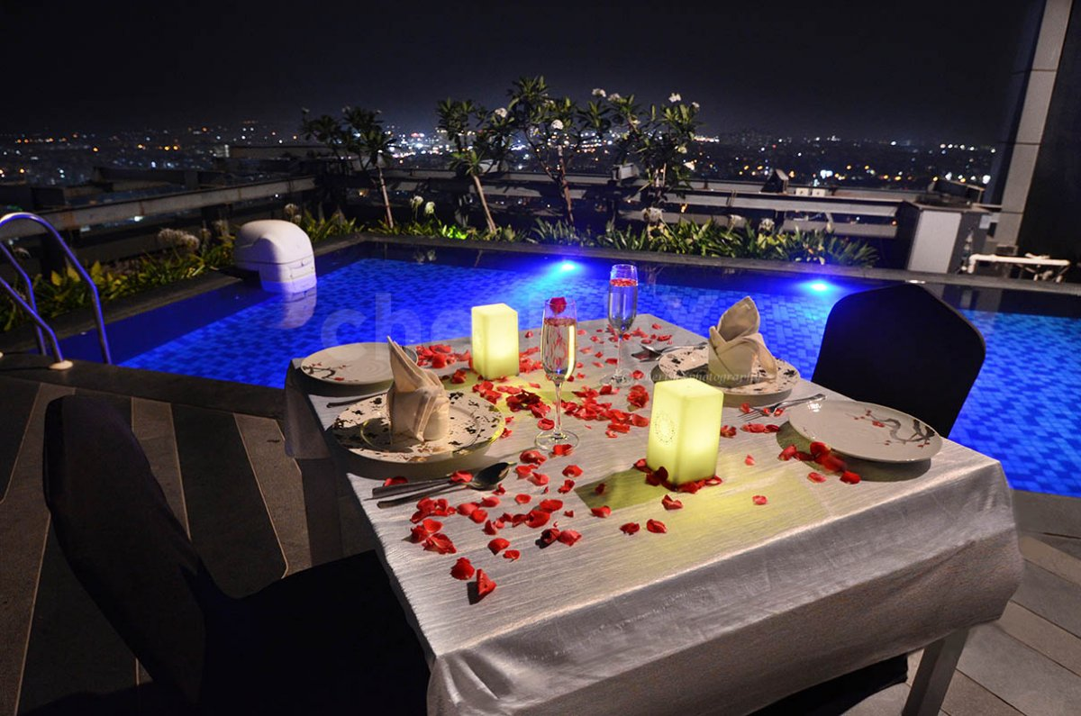 Private Poolside Rooftop Dining
