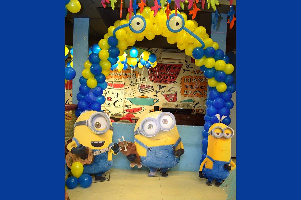 Minion Balloon Arch Decoration