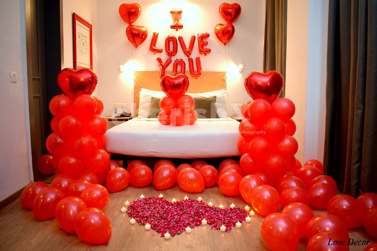 Attractive Red Balloon Room Decoration to celebrate your anniversary or to propose your love.