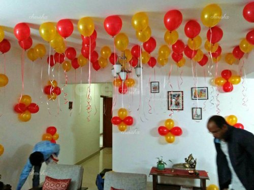 Balloon room decoration surprise getting prepared by the decorators.