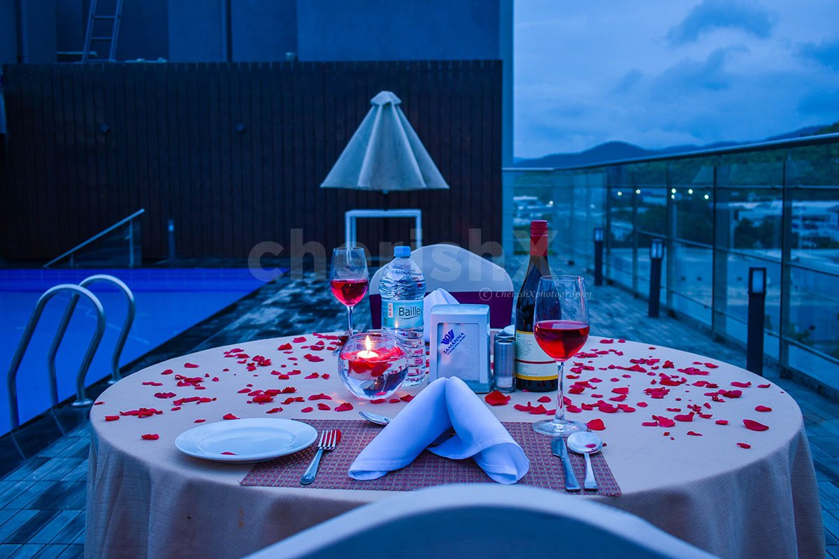 Scenic Rooftop Poolside Dinner