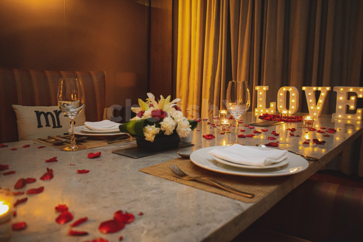 Private Candlelight Dinner in Gurgaon for Anniversary or Birthday Celebrations