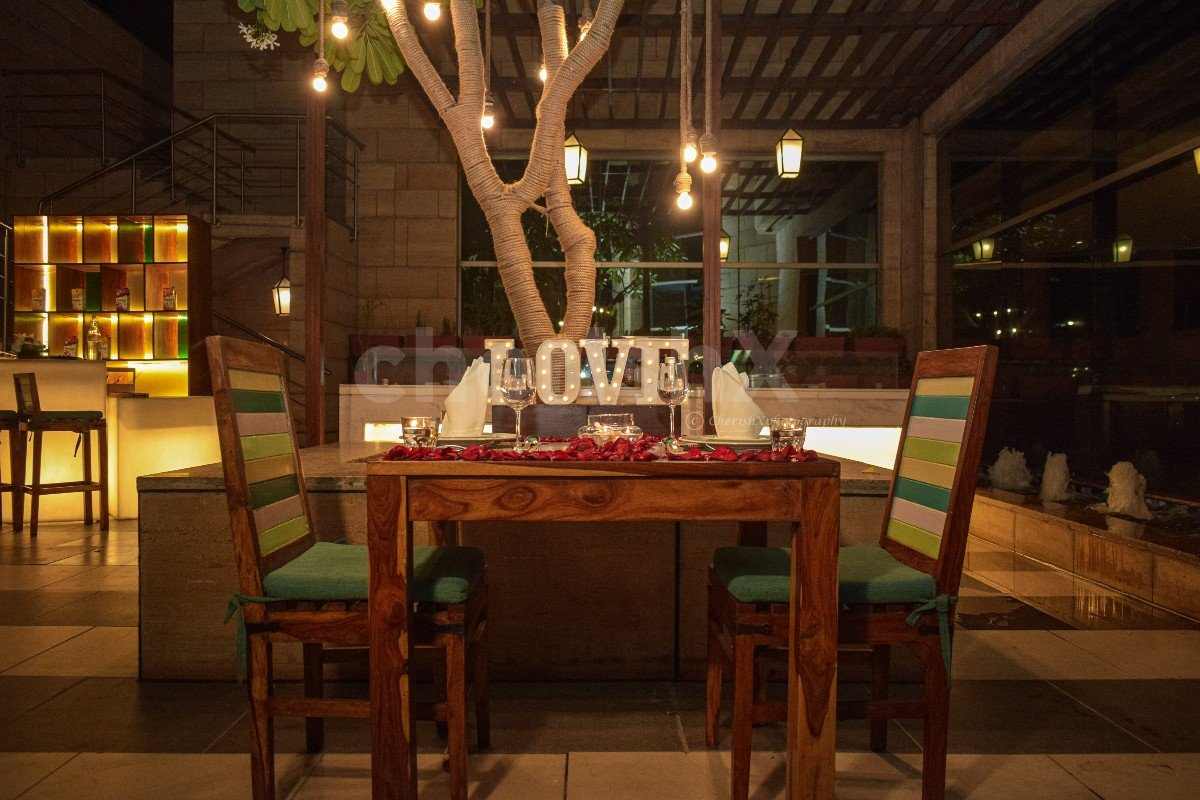 Courtyard open air dining