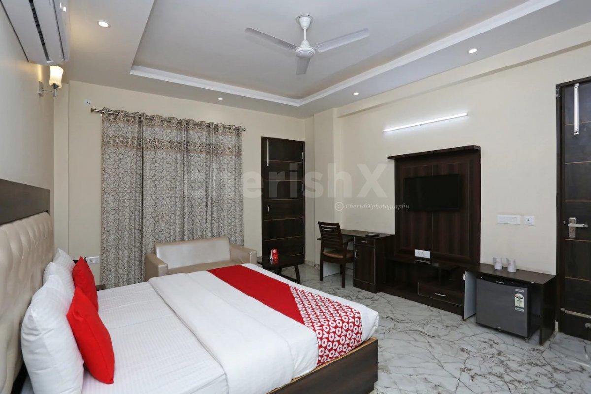 Romantic Surprise in Gurgaon