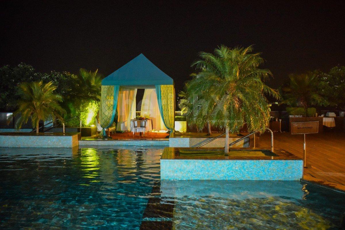 Poolside Cabana By Radisson