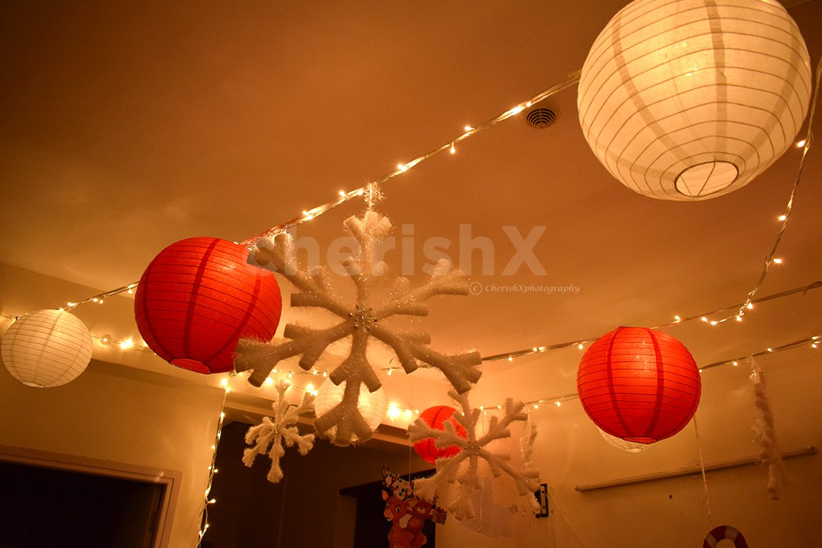 Christmas Lantern Decor