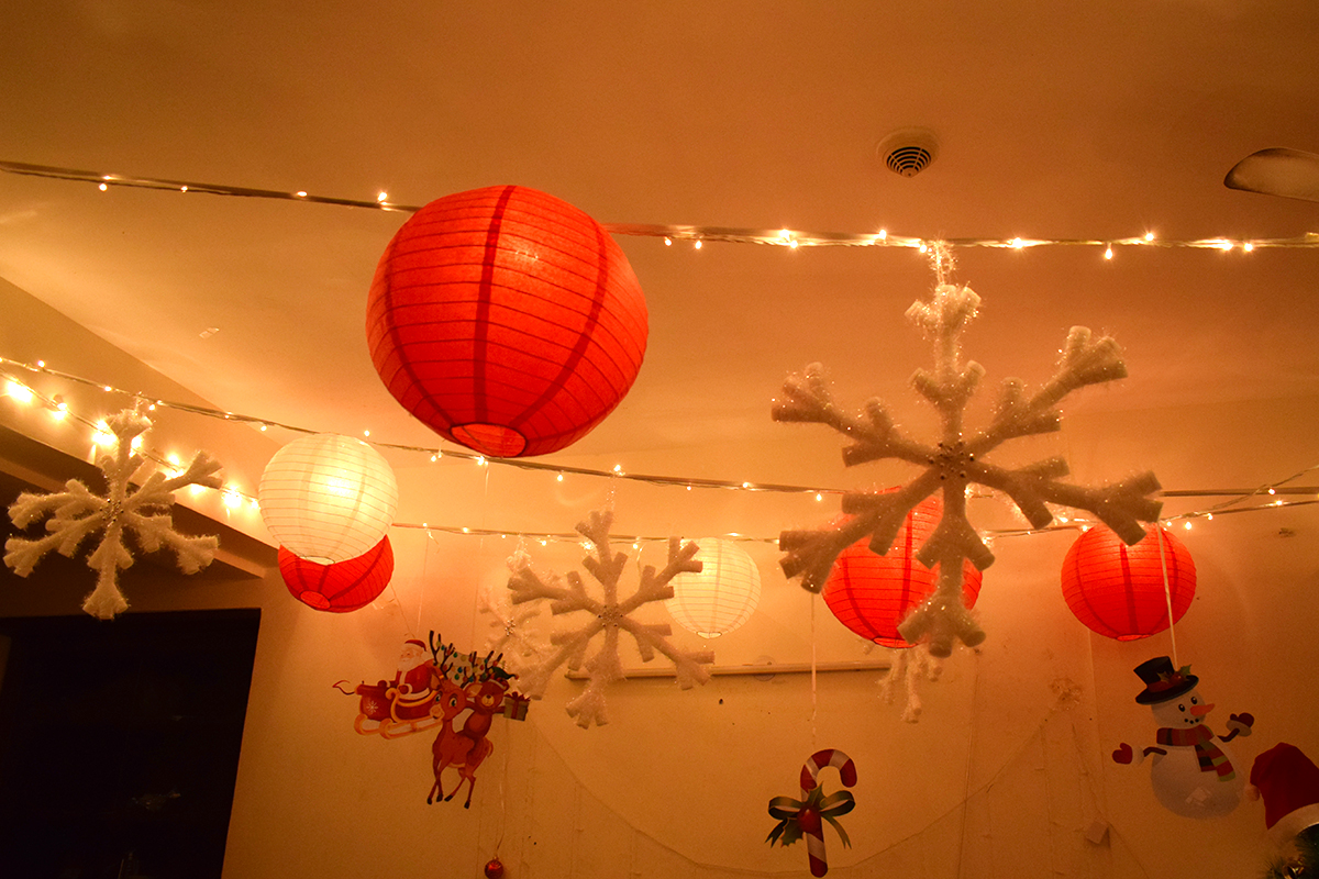 Add Christmas Lantern Decor