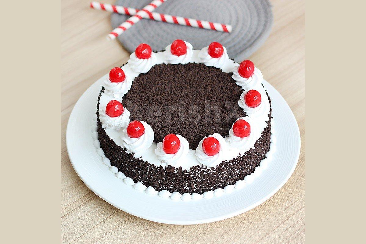 Fresh black forest cake by cherishx