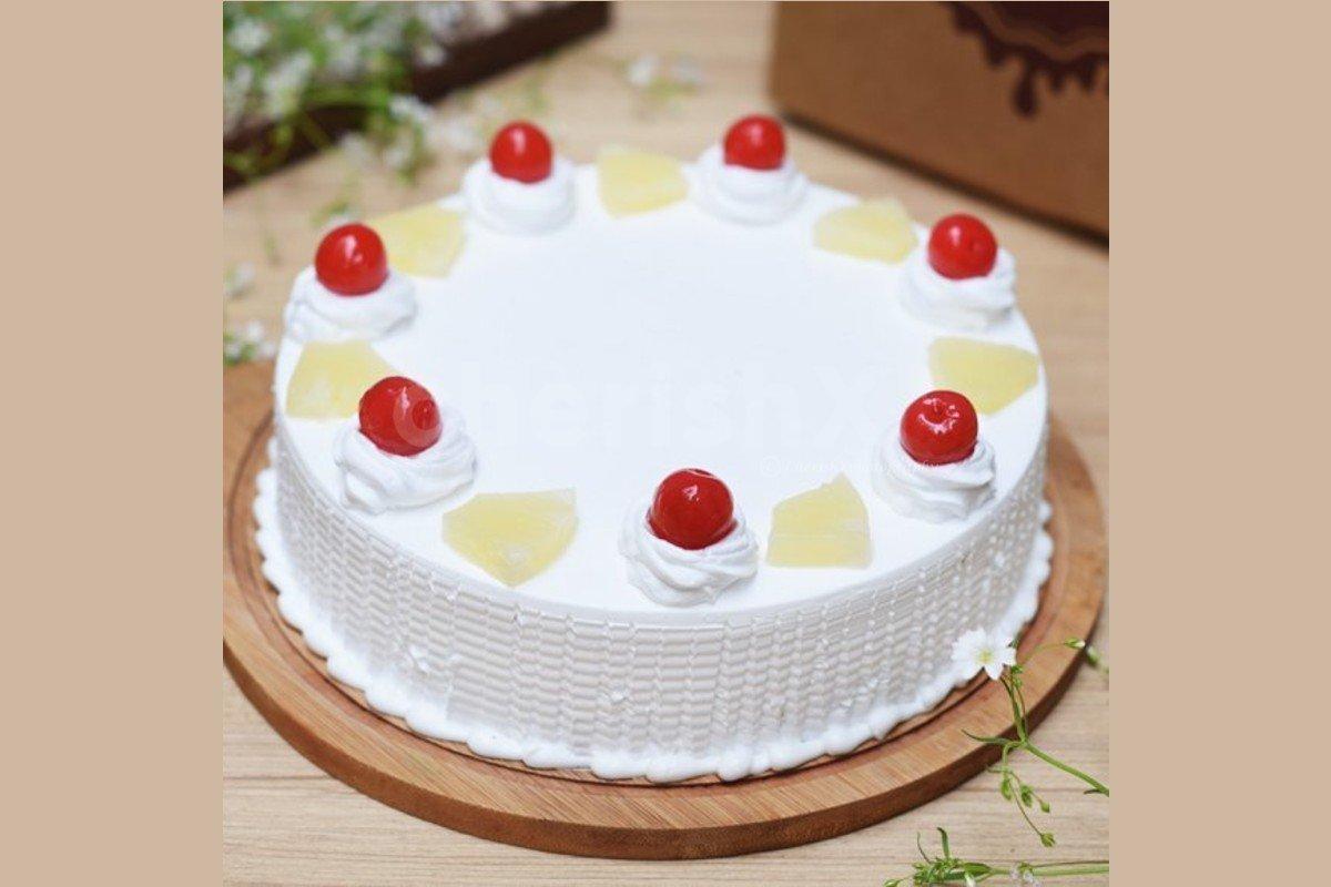Fresh pineapple cake by cherishx