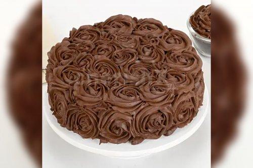 Chocolate Rose Cake (Half Kg)