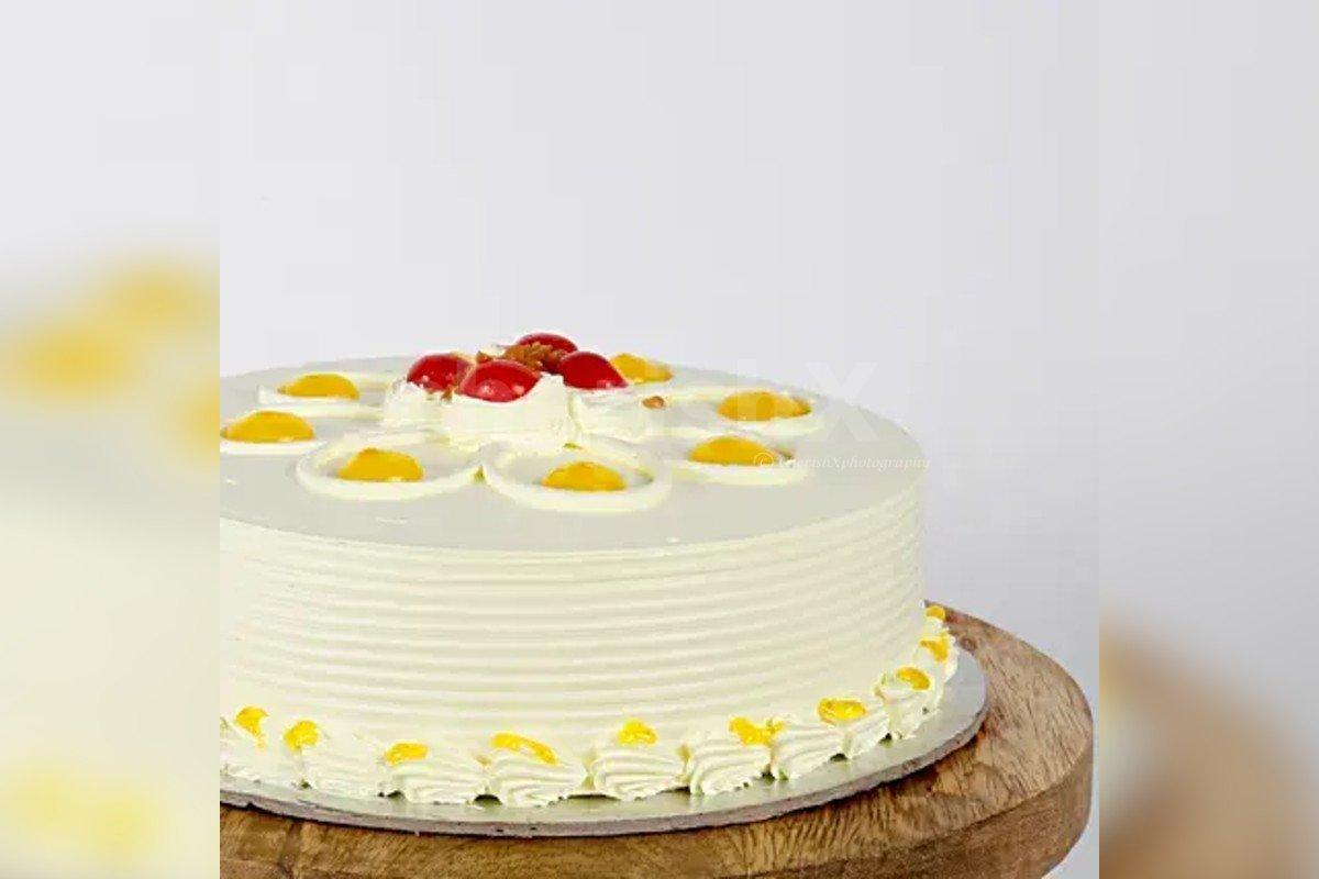 500 gm Fresh butterscotch cake by cherishx