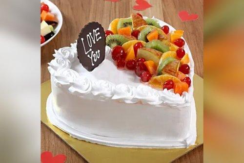 Heart Shape Vanilla Fruit Cake (Half Kg)