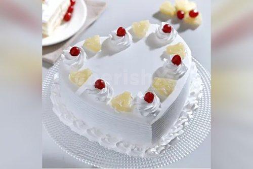 Heart Shape Pineapple Cake (Half Kg)