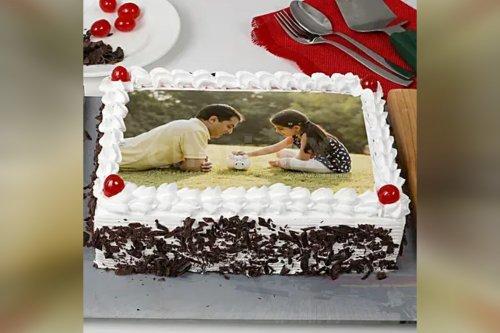 Special Black Forest Photo Cake (Half Kg)