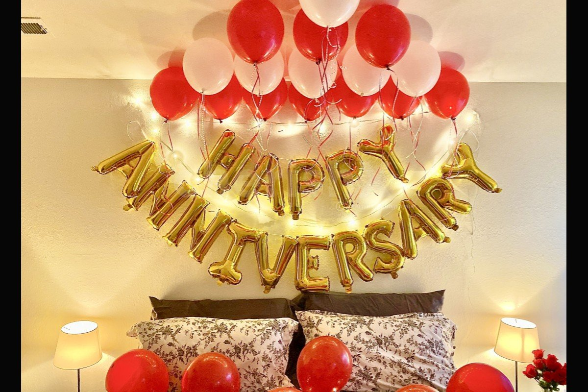 Beautiful Anniversary Special Balloon Decoration With Happy Anniversary Letter Foil Balloons
