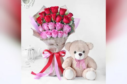 20 roses with a teddy bouquet