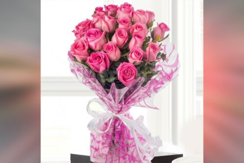 15 pink roses simple bouquet online delivery