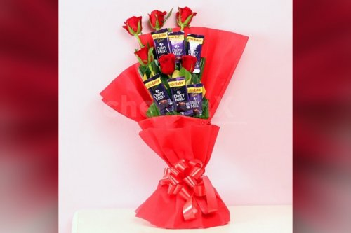 red rose and dairy milk bouquet