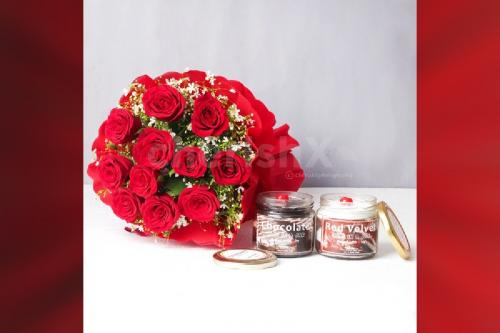 12 Red rose bouquet with 2 cake jars