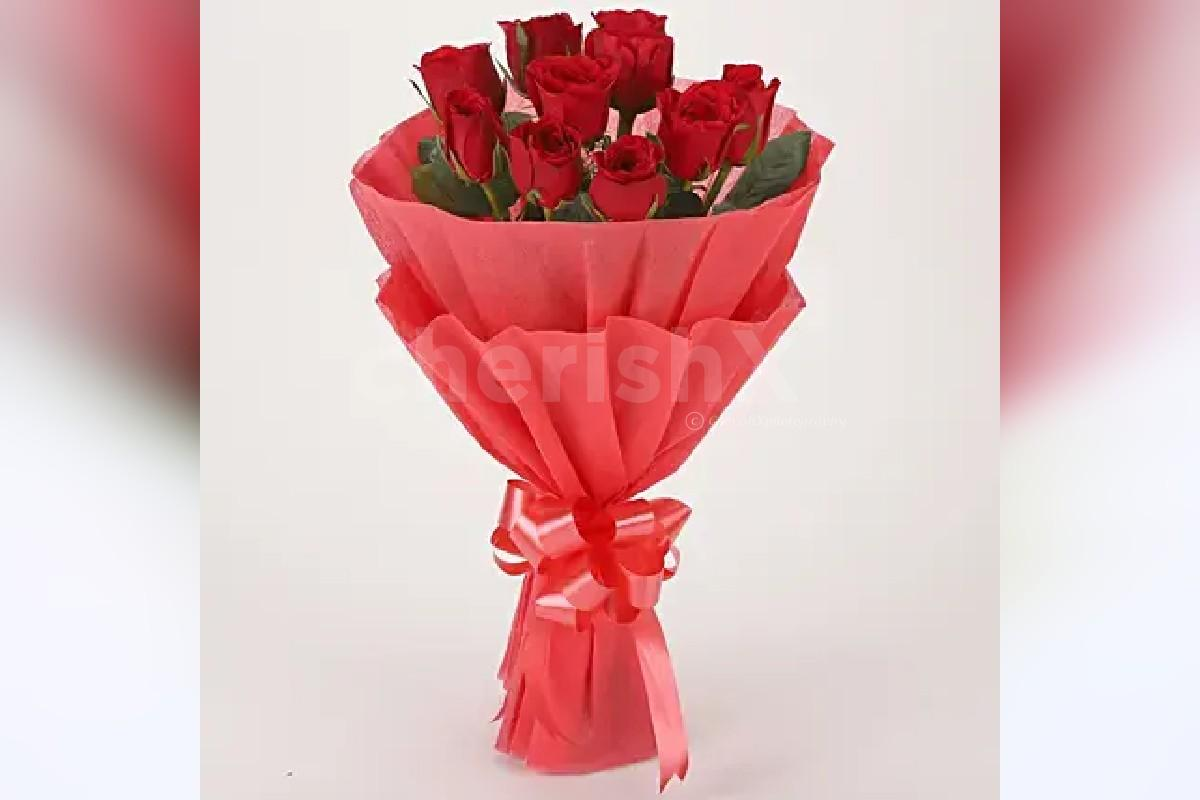 12 Red rose bouquet with 2 cake jars - red velvet and chocolate truffle flavors by cherishx