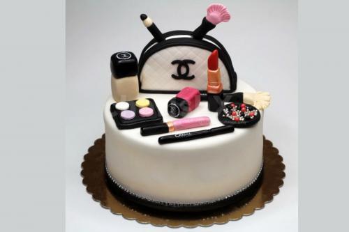Makeup Theme Designer Cake