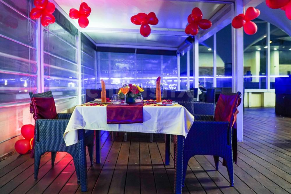 Exotic Rooftop Candlelight Dining