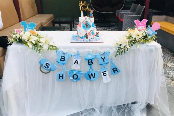 Cake Table Decorations