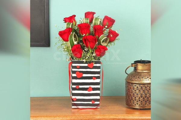 Red Roses in Box of love