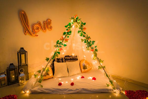 Romantic Anniversary Decoration Services For Room Or Home In Delhi Gurgaon Noida Ncr