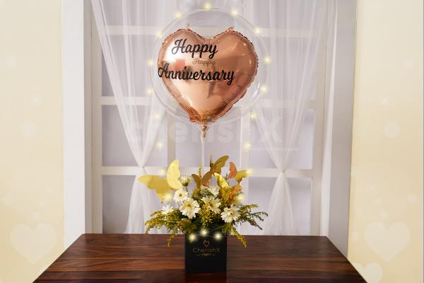 A Flower and Love Bubble Bucket to wish your loved one a happy birthday, an anniversary or any other occasion.