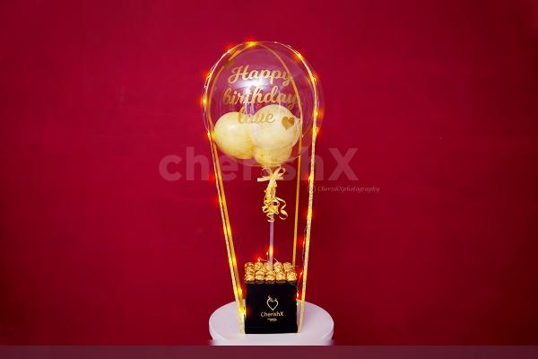 Wish your friends or family a Happy Birthday or Anniversary with this Golden Love Bubble Bucket.