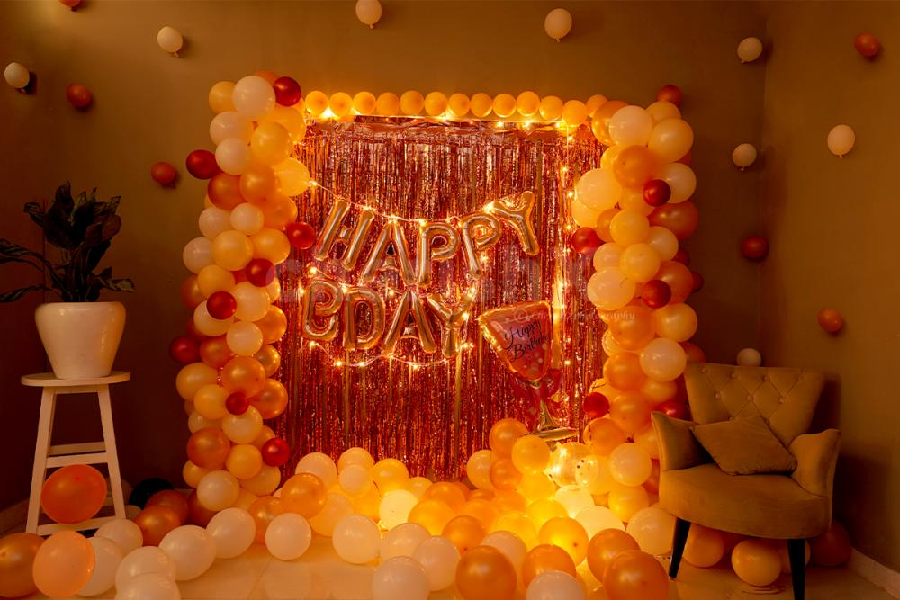 The bright and beautiful Rosegold Birthday decor is specially curated to enhance the outlook of the room at your party.