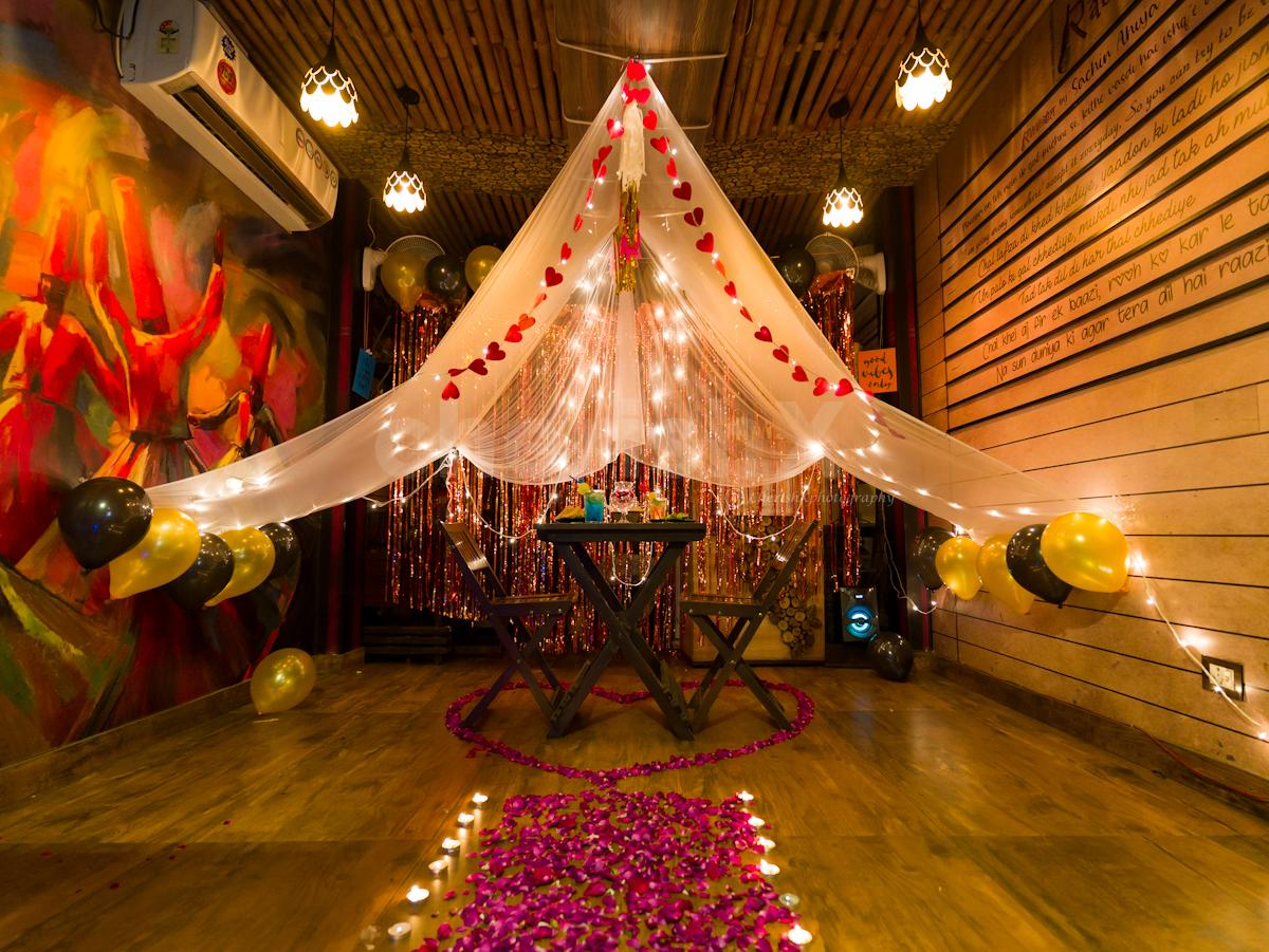 Anniversary Special Dinners Surprises In Delhi Ncr