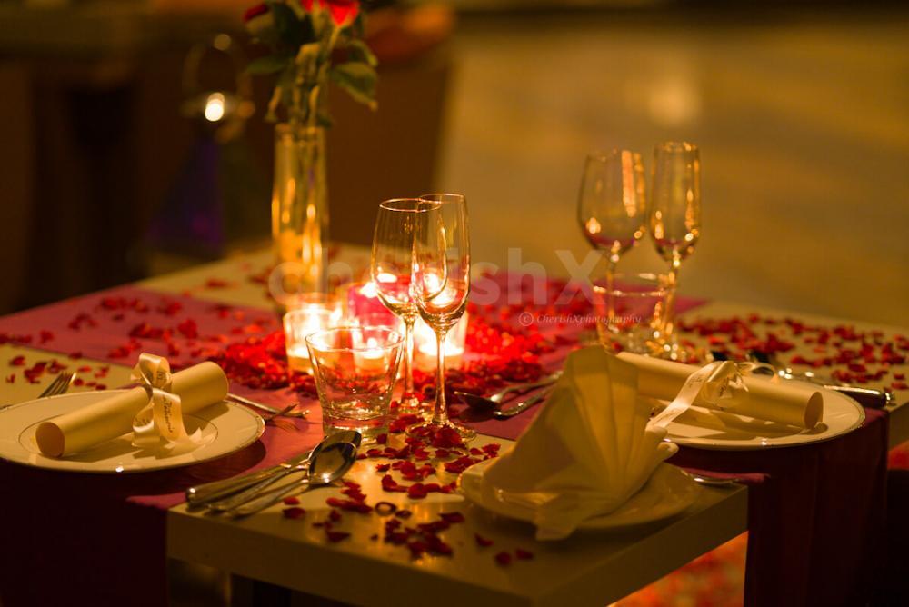 Open air romantic dining at Taj