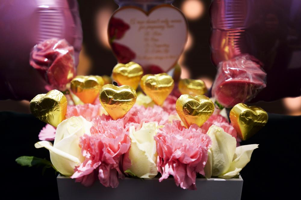 Surprise your partner with a delightful Pink Colored Rose Day Bucket offered by CherishX!
