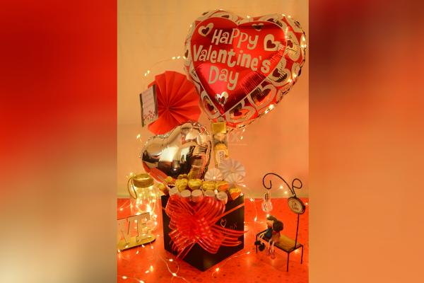 Make your partner's heart filled with love by booking CherishX's Valentine's Day Bucket!