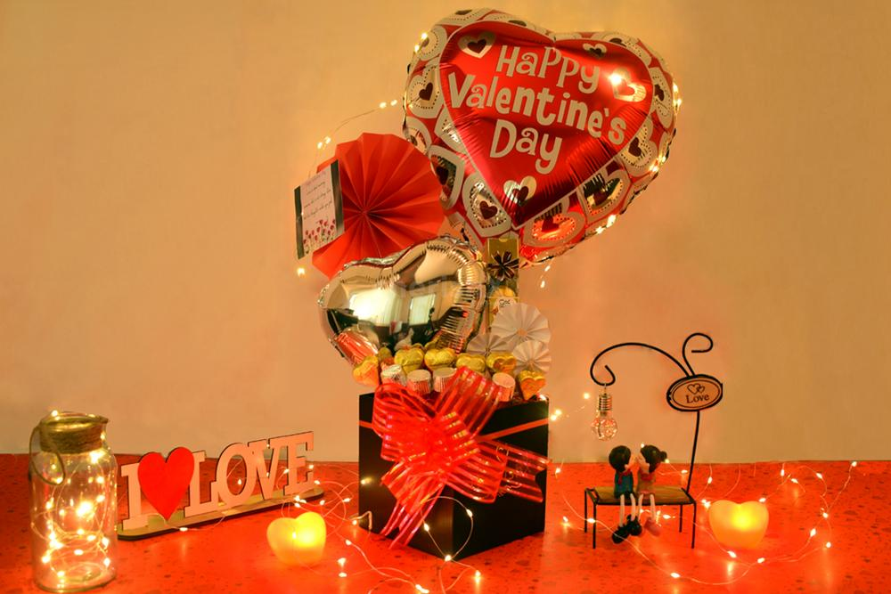 Shower love on your partner and make him/her feel important with CherishX's Valentine's Day Bucket!!